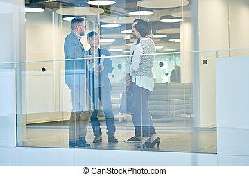 szkło, handlowe biuro, ludzie
