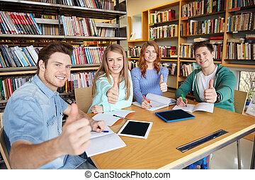 szkoła, studenci, pokaz, do góry, biblioteka, kciuki, szczęśliwy