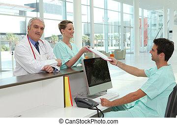 szpital, recepcyjna powierzchnia