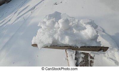 szuflując, śnieg, podjazd