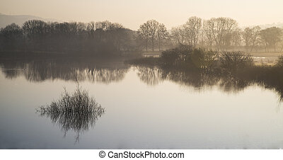 táj, közül, tó, alatt, köd, noha, nap, parázslás, -ban, napkelte