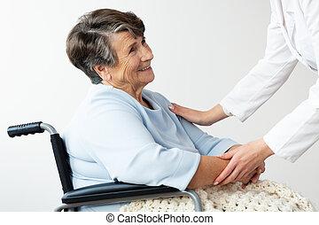 támogató, nő, tolószék, meghibásodott, idősebb ember, caregiver, boldog