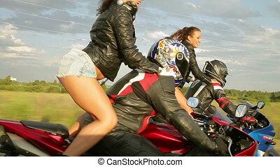 tánc, leány, képben látható, egy, motorbiciklik