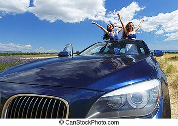 táncol, autó, nők