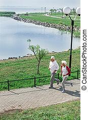 tätiger älterer, paar, rennender
