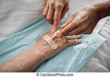 tålmodig, läkare, droppa, hand, fästa, intravenös
