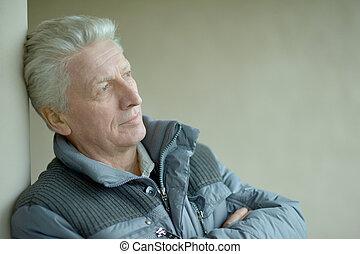 tænkning, elderly mand