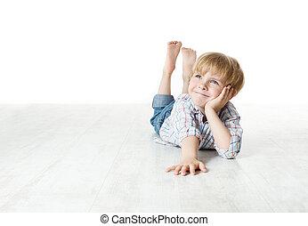 tænkning, smil, lille dreng, ligge, på, gulv