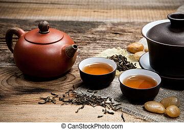 té, tazas, tetera, tabla