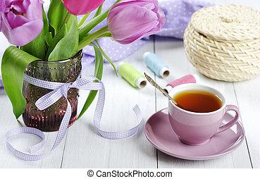 té, tulipanes, ramo, taza