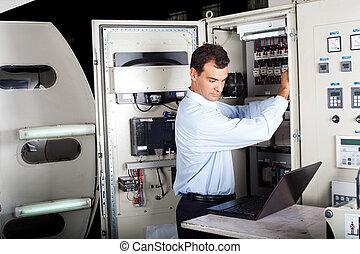 técnico, reparar, máquina, industrial