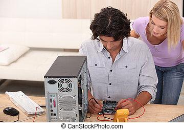 técnico, reparar, um, computador