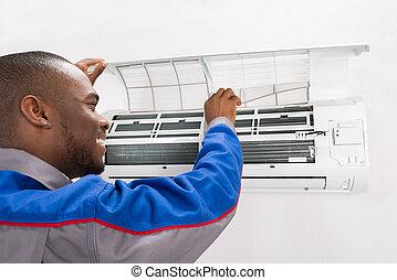 técnico, verificar, acondicionador de aire