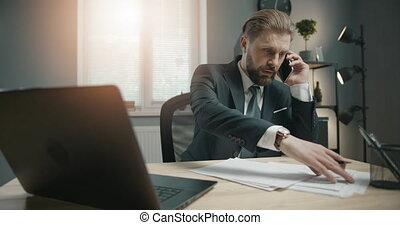 téléphone, bureau, homme affaires, conversation