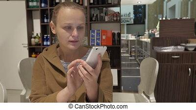 téléphone, café, femme, avoir, bavarder
