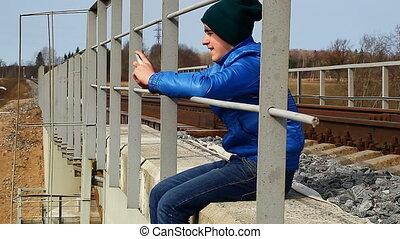 téléphone, cellule, adolescent, pont