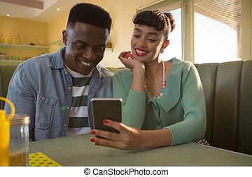 téléphone, couple, mobile, divan, utilisation, sourire, séance