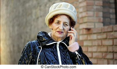 téléphone, femme aînée, appeler, confection