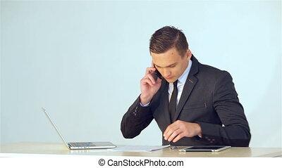 téléphone, homme affaires, appeler, jeune, confection