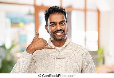 téléphone, homme, chandail, indien, faisant option achat,...