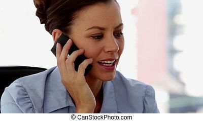 téléphone, jeune, femme affaires