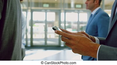 téléphone, mobile, utilisation, homme affaires, 4k, bureau, moderne