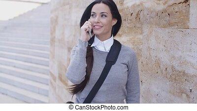 téléphone mur, chandail, femme, rire