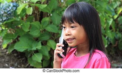 téléphone, peu, fille asiatique, conversation