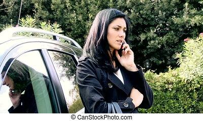 téléphone portable, femme, extérieur, conversation