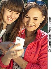 téléphone portable, filles, deux, heureux