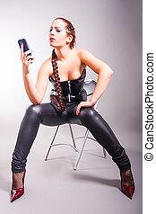 téléphone portable, tenue femme