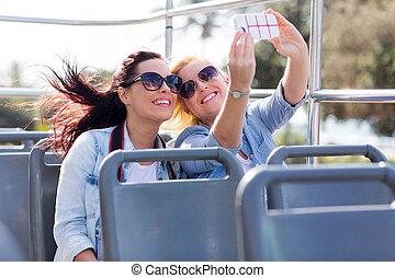téléphone, prendre, selfie, touristes, intelligent