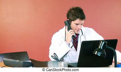 téléphone, séduisant, examiner, docteur, hôpital, rayon x