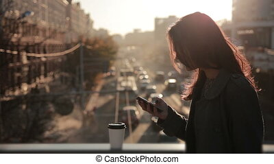 téléphone, ville, pont, femme, joli, conversation