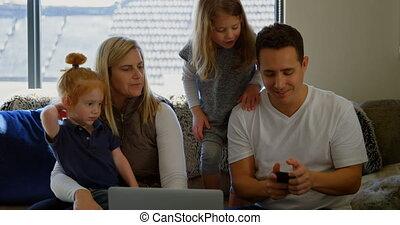 téléphone, vivant, mobile, utilisation, 4k, salle famille