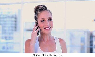 téléphoner, femme, blond, elle, heureux