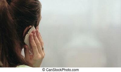 téléphoner femme, en mouvement, ascenseur, conversation