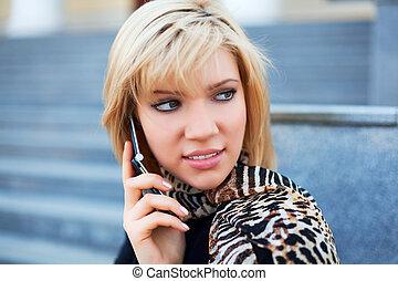 téléphoner femme, jeune