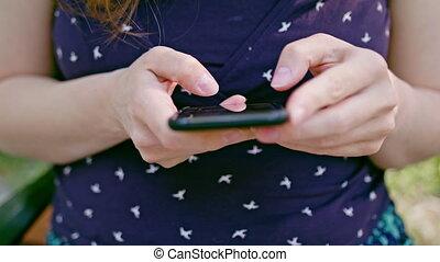 téléphoner femme, parc, utilisation