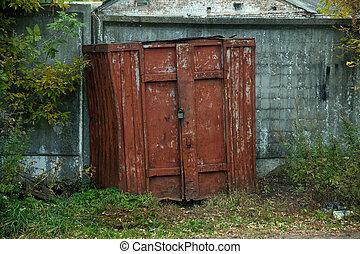 tényleges, furcsa, elhagyatott, garage., bábu, szekrény