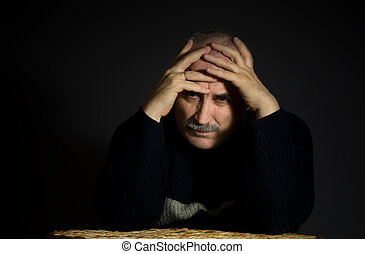 tête, enfolded, bras, triste, mûrir, portrait, homme