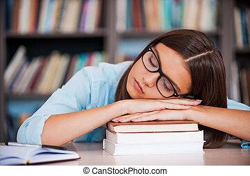 tête, examen, elle, séance, fatigué, jeune, bibliothèque, dormir, quoique, livre, tenue, bureau, exhaustion., pile, femmes