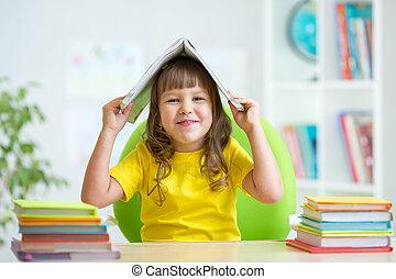 tête, gosse, girl, livre, preschooler, elle, sur