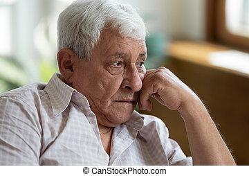 tête, main, grand-père, mettre, triste, perdu, pensées