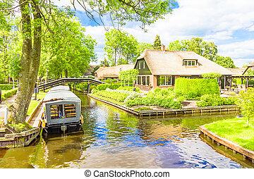 típico, holandés, casas, y, jardines, en, giethoorn, el,...