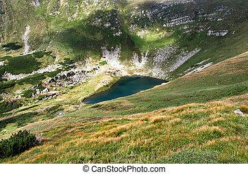 tó, alatt, hegyek