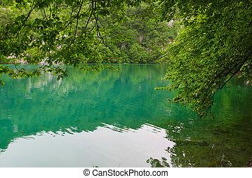 tó, alatt, plitvice, nemzeti park