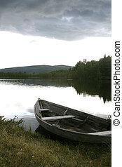 tó, csónakázik