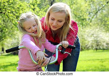 töchterchen, mutter, fruehjahr, kleingarten, fahrrad