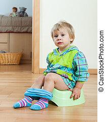 toepfchen stock foto bilder toepfchen lizenzfreie bilder und fotografien von tausenden. Black Bedroom Furniture Sets. Home Design Ideas